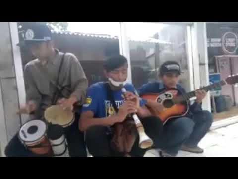 Pengamen Sunda pakai Trompet - Karawang