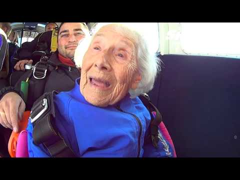 96 Year Old Betty Hiple's Tandem skydive!