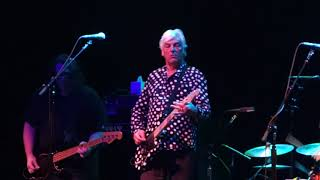Watch Robyn Hitchcock I Watch The Cars video