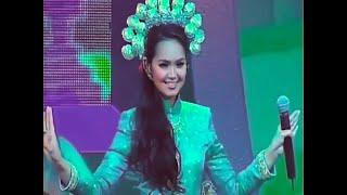 Download Lagu Dato' Sri Siti Nurhaliza Tari Tualang Tiga Live #ASK2005 HQ (Clear Music & Vocal) mp3