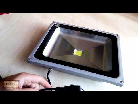 Мощный светодиодный прожектор или уличный фонарь 50W 220V IP65 с Aliexpress. Floodlight