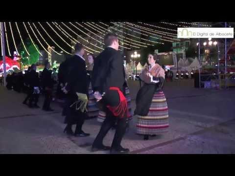 Baile manchegas Puerta de Hierros Feria Albacete 2013