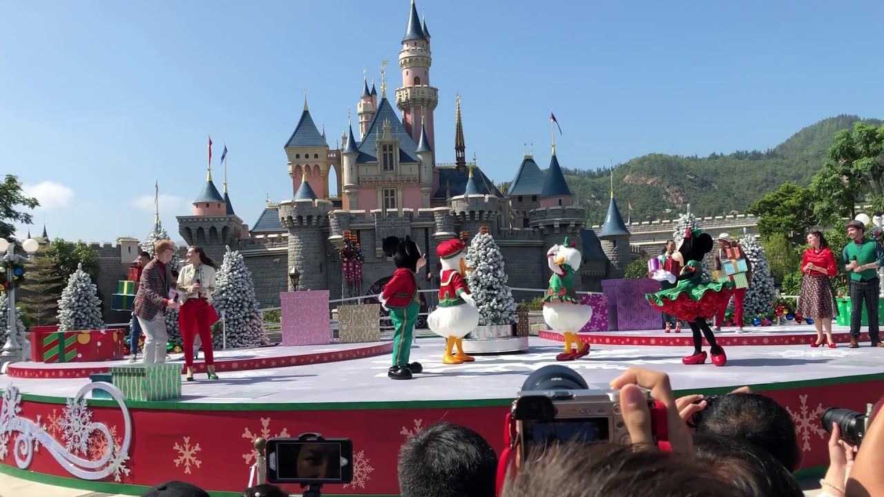 Christmas In Disneyland Hong Kong.Hong Kong Disneyland S Christmas Show 2017 Part 1
