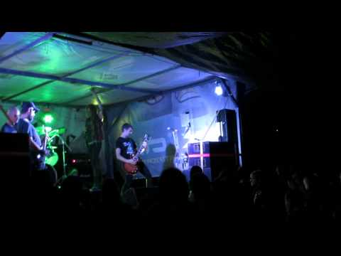Extinct Exist live at Such Is Life 2015