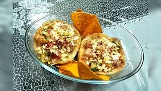 Cheesy mini burger pizza 🍔 bnaye ghar pe by kitchen story