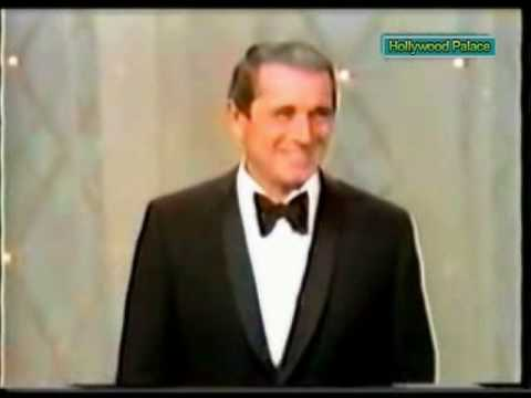Perry Como hosts Hollywood Palace Christmas 1969 (1 of 6)