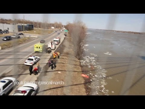 Un corps repêché à Laval - Water rescue recovering dead body