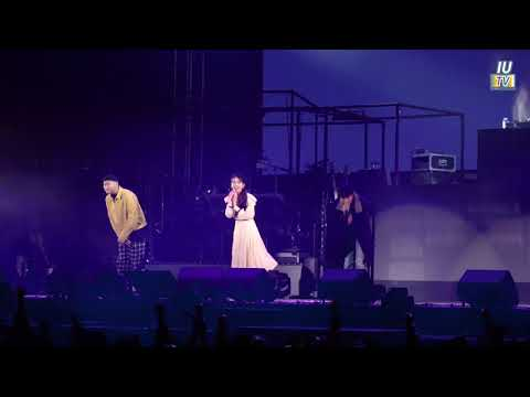 ‪[Concert Short Clip Of IU TV]‬  ‪Love Story(with EPIK HIGH)&Talk (@Tour 'Palette' In Cheongju)‬