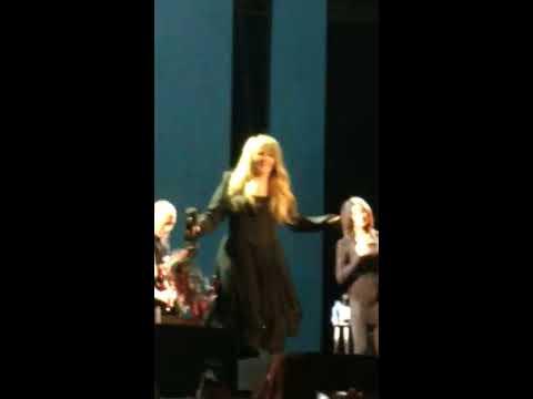 Stevie Nicks Edge of Seventeen Tambourine Walk Fedexforum Memphis, TN 3/8/17