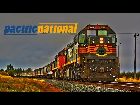 Australian Freight Trains - Tocumwal Grainy