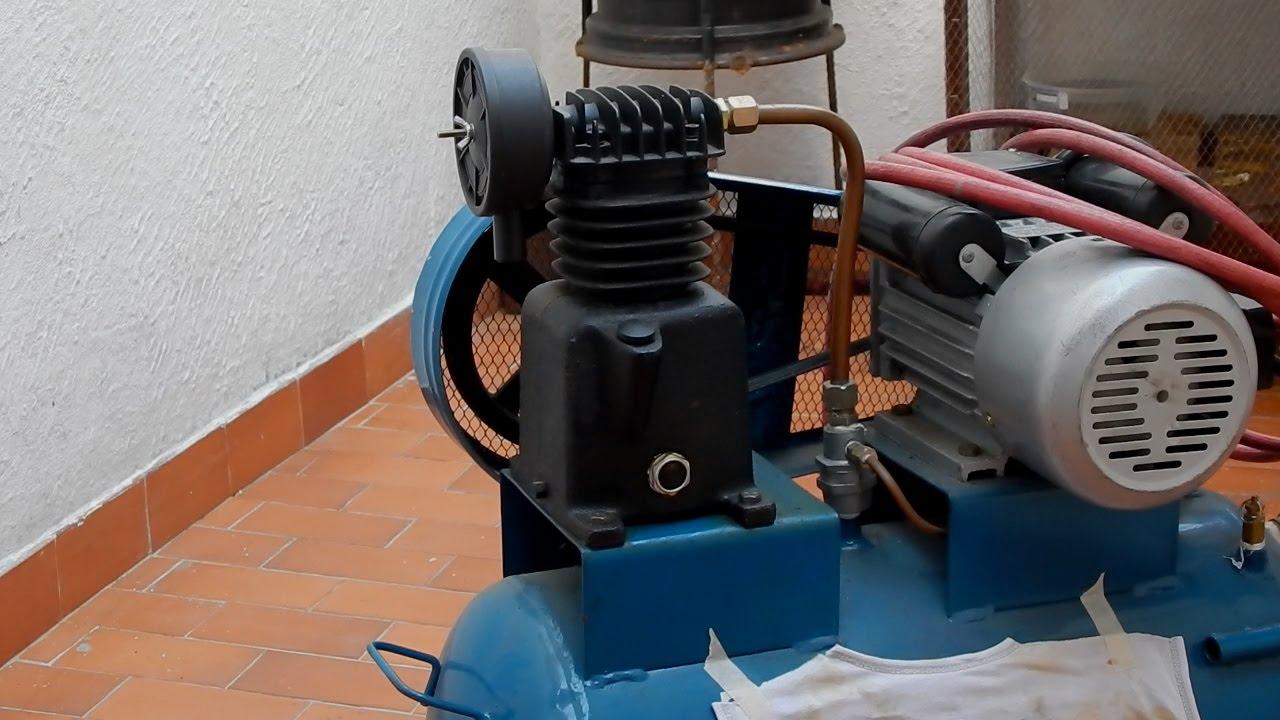 C mo cambiarle el aceite a un compresor de aire youtube for Aceite para compresor