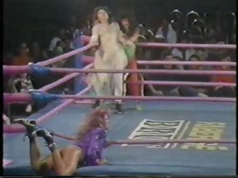 G.L.O.W. WOMENS' WRESTLING VINTAGE 1988 MATCH! DEMENTIA/BROADWAY ROSE VS. THUNDER BOLT & LIGHTNING