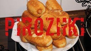 Pirozhki mit Äpfel/ Жареные пирожки с яблоками/ Pirozhki with apple (russian food)