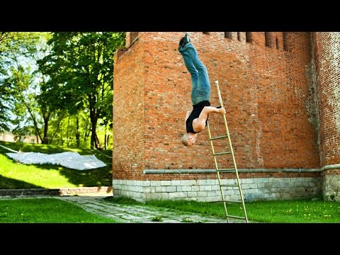 Невероятное падение с лестницы. Amazing trick on the stairs. Ladder act
