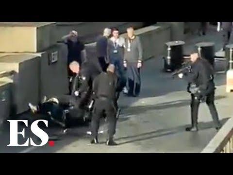 London Bridge shooting: moment police shoot a man on London bridge after stabbing   BREAKING NEWS