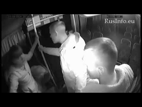 Драка в автобусе - Две девушки Vs. Два парня (г. Бийск Алтайский край)
