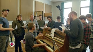 Repeat youtube video Coldplay's Game of Thrones: The Musical (Full 12-minute version)