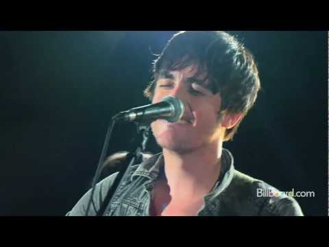 "Parachute - ""Kiss Me Slowly"" LIVE (Studio Session)"