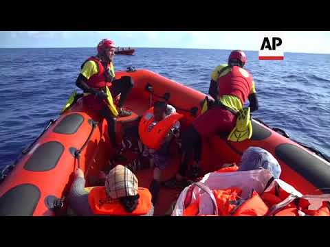 Baby born at sea after migrant mother...