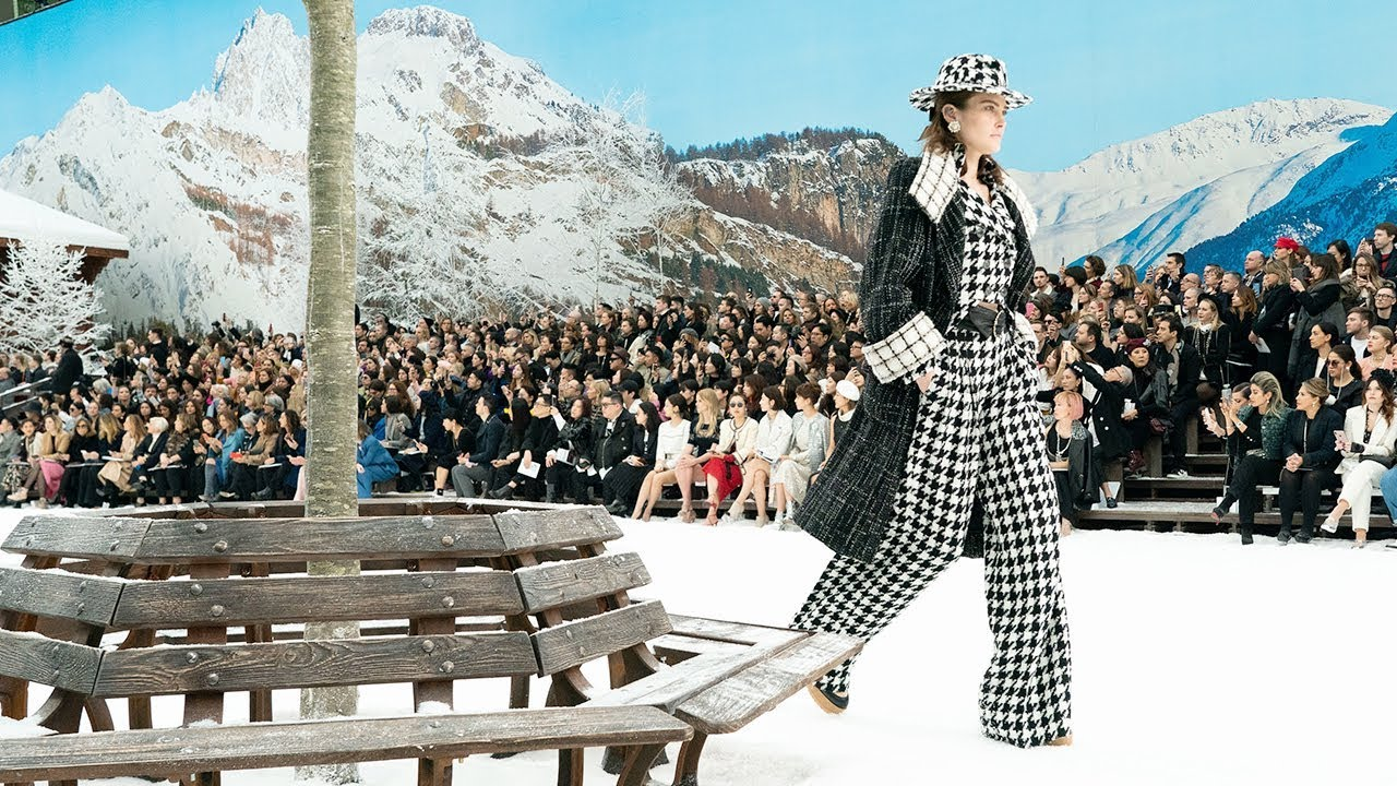 Chanel | Fall Winter 2019/2020 Full Fashion Show | Exclusive 7