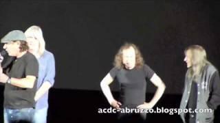 Скачать AC DC RIVER PLATE DVD WORLD PREMIERE Hammersmith Apollo Theatre London