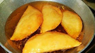 How to make Karanji / Gujiya? - Maharashtrian Recipe