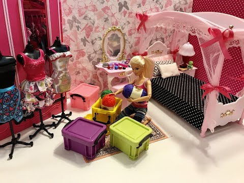 Barbie Bedroom Morning Routine! Spa! Oatmeal Mess! Super