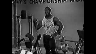 Ли Хейни - Тренировка чемпионов ч.1 (с переводом)(8-ми кратный Мистер Олимпия Ли Хейни раскрывает тренировочные секреты. Тренинг спины: подход Ли Хейни http://spo..., 2014-09-06T15:57:03.000Z)
