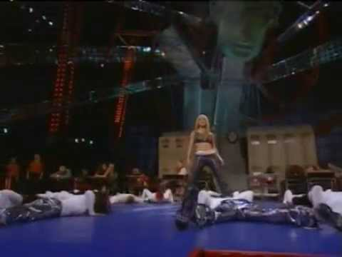 Britney Spears - Mtv VMA 1999 (...Baby One More Time)