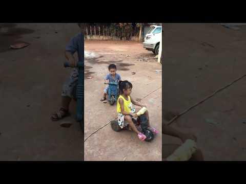motor racing by kids
