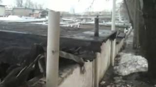 в гараже упала крыша ЖЕСТЬ!!!(, 2011-04-12T22:49:57.000Z)