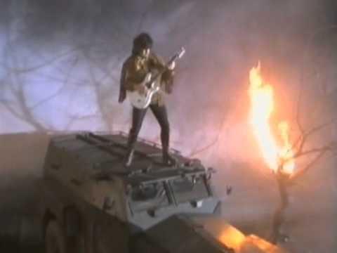 Клип Gary Moore - Wild Frontier