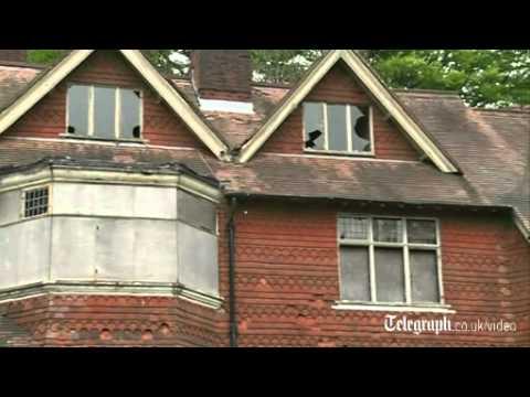 Sherlock Holmes fans fight to save author Arthur Conan Doyle's house