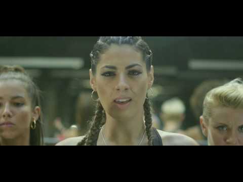 NYA DE LA RUBIA – ME GUSTA DURO Feat. MONCHO CHAVEA