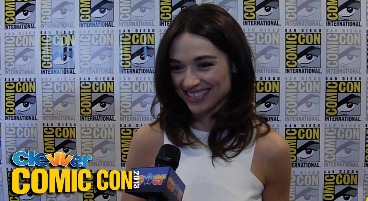 Crystal Reed Talks Scott Allison Teen Wolf Relationships 2013 Comic Con Youtube