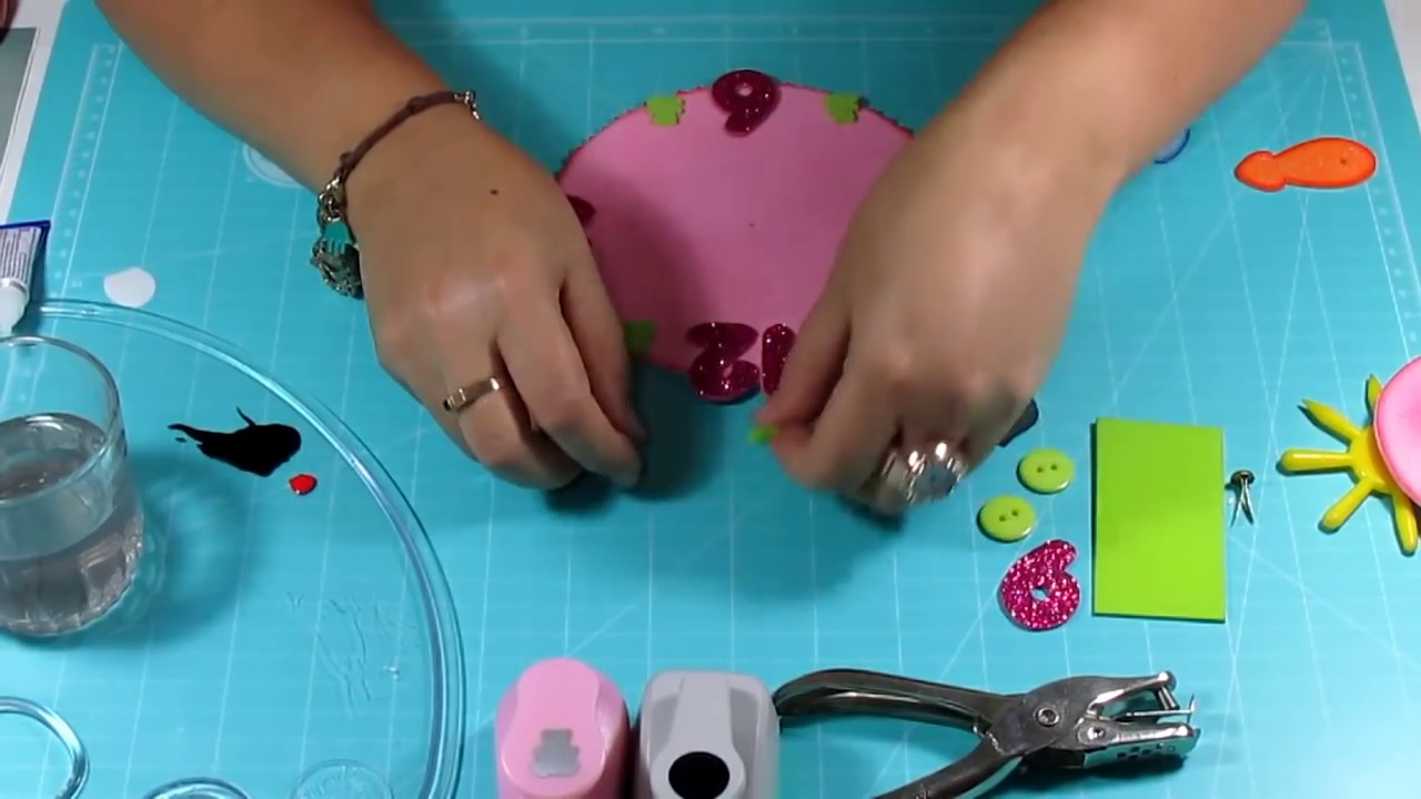 DIY Clock Osito in Fomi , Goma Eva microporous Easy Crafts - YouTube