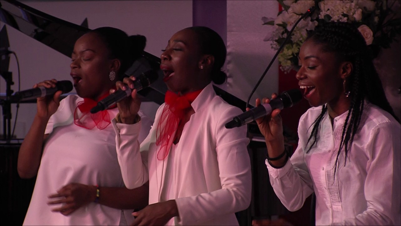 Download Nathaniel Bassey ministering at Glory House Convention