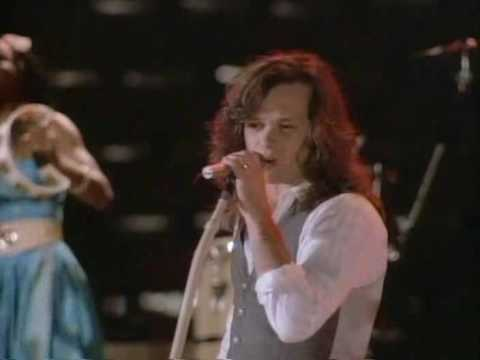 John Mellencamp - I Saw Mommy Kissing Santa Claus - Video