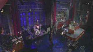 Yeah Yeah Yeahs - Down Boy on Letterman
