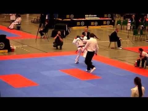 Semifinale i NM 2013 Eldre Junior Damer Sparring Blått og Rødt -55kg