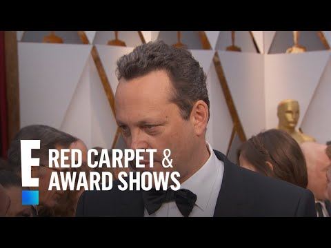 "Vince Vaughn on Being the Veteran Actor in ""Hacksaw Ridge"" 