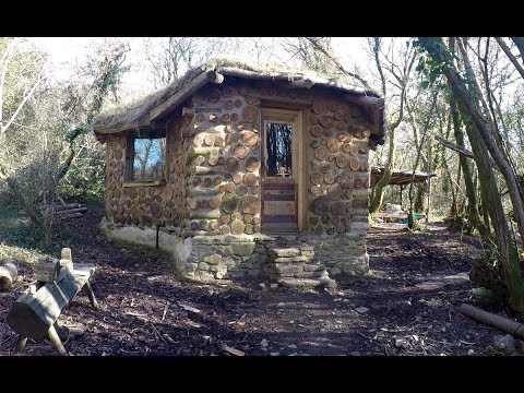 A year off grid in my roundhouse
