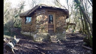 A year off grid in my roundhouse by : Kris Harbour