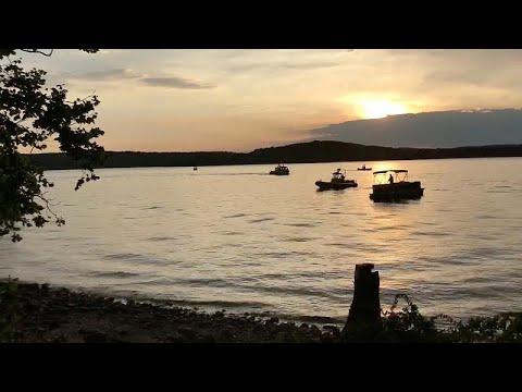 euronews (en français): Un bateau chavire sur un lac dans le Missouri, au moins onze morts