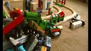 Brio Eisenbahn - Der Große Crash (paul 4 Jahre) - Wooden Train Crash