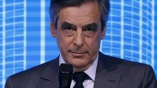 فرانسوا  فيون يتهم هولاند بتنظيم التسريبات إلى وسائل الإعلام