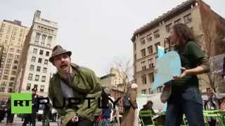 USA: Protesters crash New York Earth Day celebrations