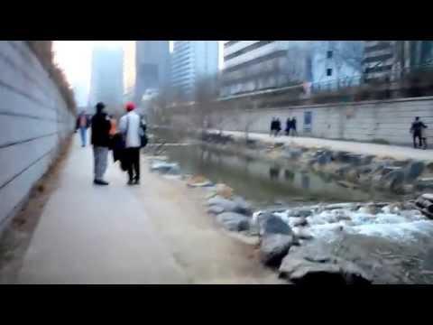 Cheonggyecheon Stream in Seoul 청계천