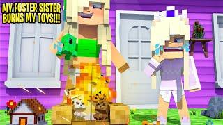 BABY KAYLA'S EVIL SISTER BURNS HER TOYS... Minecraft