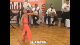 بالفيديو..ميس حمدان تعلق على طفلة محترفة الرقص الشرقى